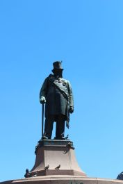 Paul Kruger memorialized in Church Square.